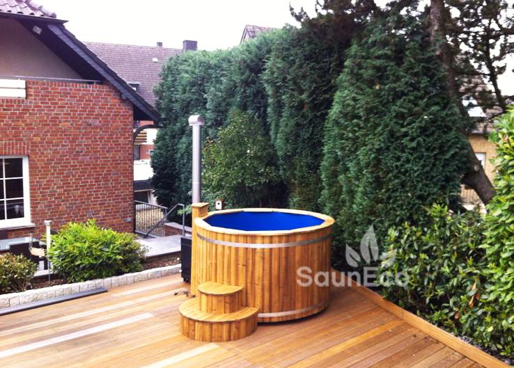 Lux Badezuber Badetonne Hot Tub Spa aus Holz Sauneco