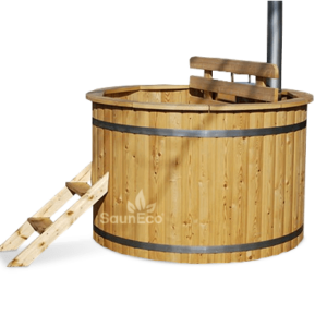 Larch wooden hot tub from Sauneco