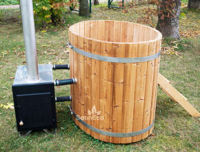 Small thermowood hot tub from Sauneco