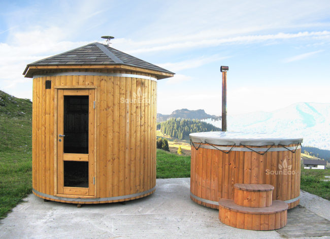 hohe Saunafass hohe Fasssauna Tonnensauna Saunaräum aus Thermoholz Sauneco